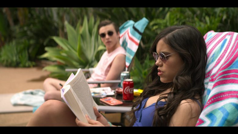 Coca-Cola Soft Drink Enjoyed by Jenna Ortega as Ellie Alves in YOU Season 2 Episode 4 The Good, The Bad & The Hendy (1)