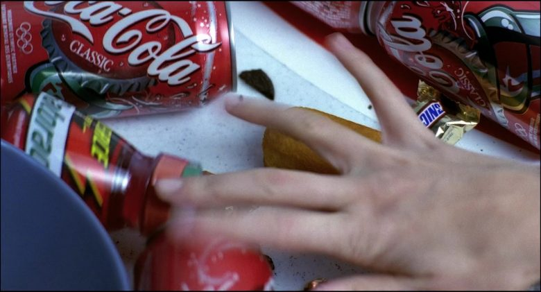 Coca-Cola and Snickers in Josie and the Pussycats