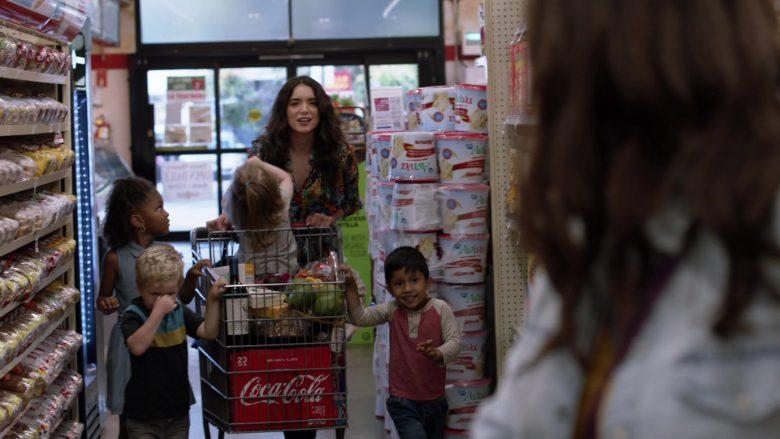 Coca-Cola in Shameless Season 10 Episode 4