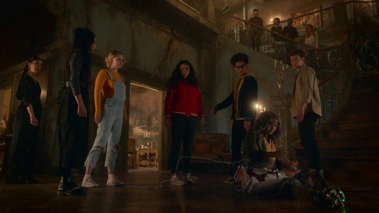 Converse White Shoes Worn by Virginia Gardner as Karolina Dean in Runaways Season 3 Episode 10 (2)
