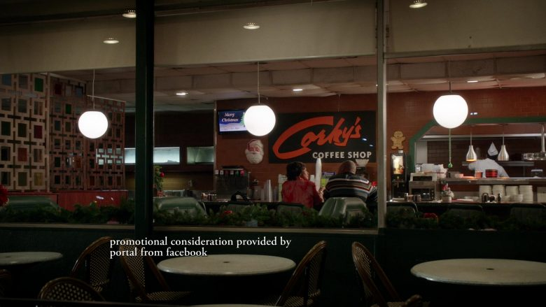 Corky's Restaurant in Black-ish Season 6 Episode 10 Father Christmas (2)