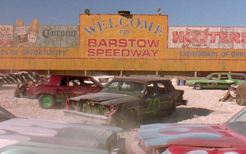 Corona and Hooters in 2 Fast 2 Furious (2003)