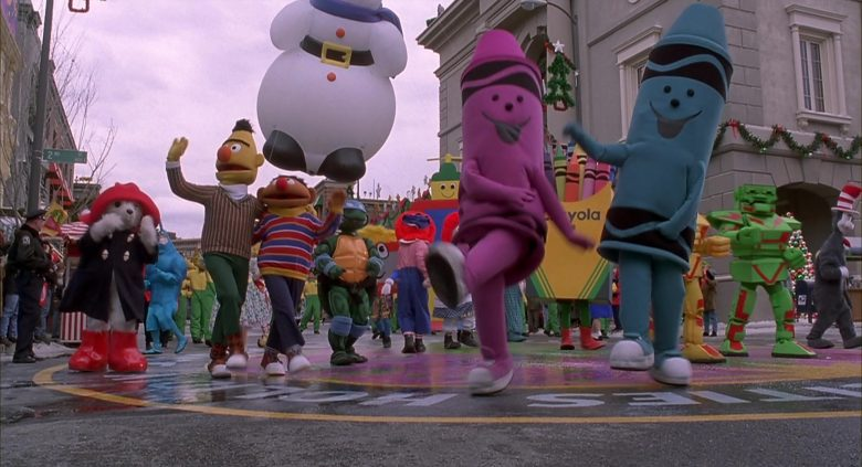 Crayola Crayons in Jingle All the Way (3)