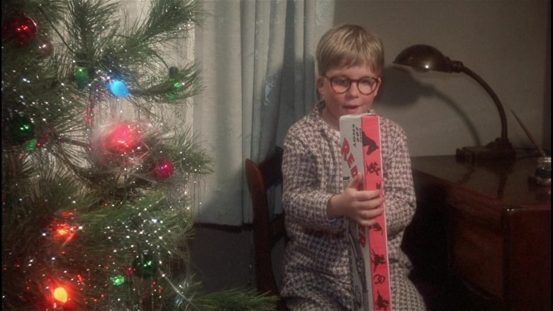 Daisy Red Ryder Gun Held by Peter Billingsley as Ralphie in A Christmas Story (1)