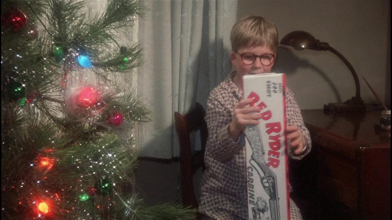 Daisy Red Ryder Gun Held by Peter Billingsley as Ralphie in A Christmas Story (2)