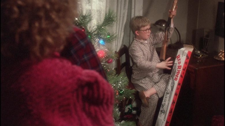 Daisy Red Ryder Gun Held by Peter Billingsley as Ralphie in A Christmas Story (4)