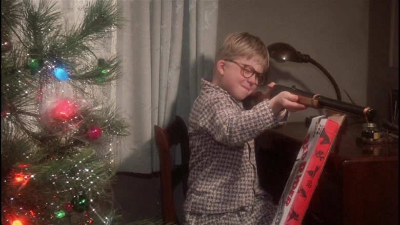 Daisy Red Ryder Gun Held by Peter Billingsley as Ralphie in A Christmas Story (5)