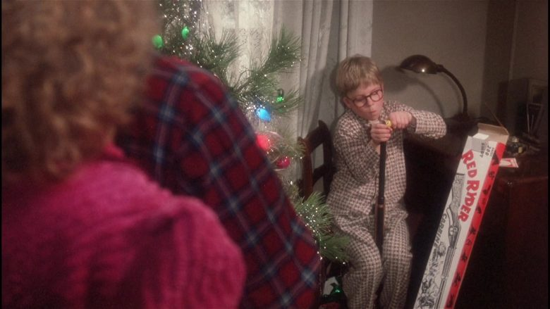 Daisy Red Ryder Gun Held by Peter Billingsley as Ralphie in A Christmas Story (7)