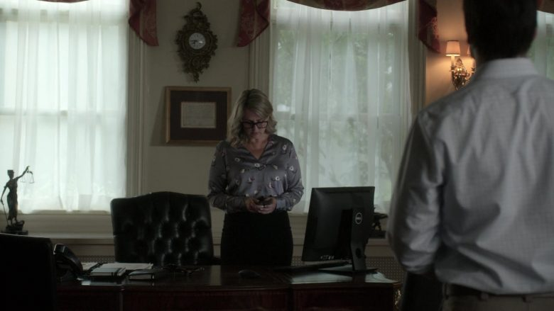 Dell All-In-One Computer Used by Laura de Carteret as Senator Sasha Giroux in V Wars Season 1 Episode 9