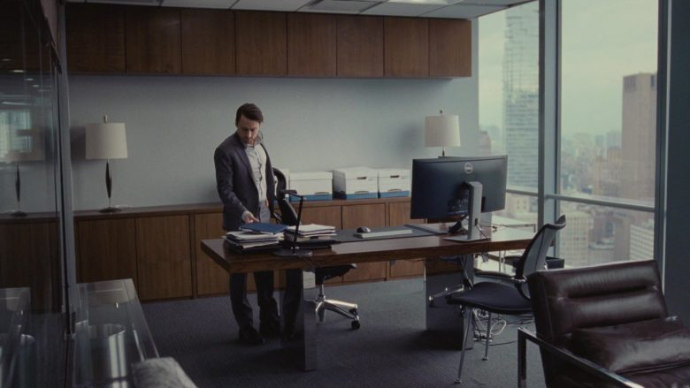 Dell All-In-One Desktop Computer Used by Kieran Culkin as Romulus 'Roman' Roy in Succession Season 1 Episode 3 Lifeboats (1)