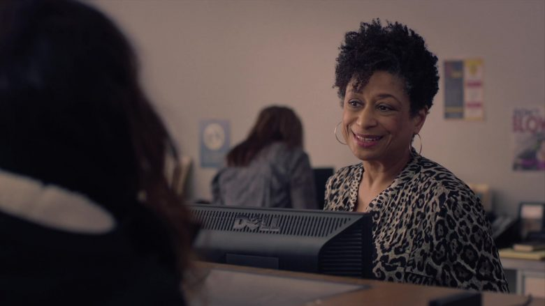 Dell Monitor in Mrs. Fletcher Season 1 Episode 7 Welcome Back