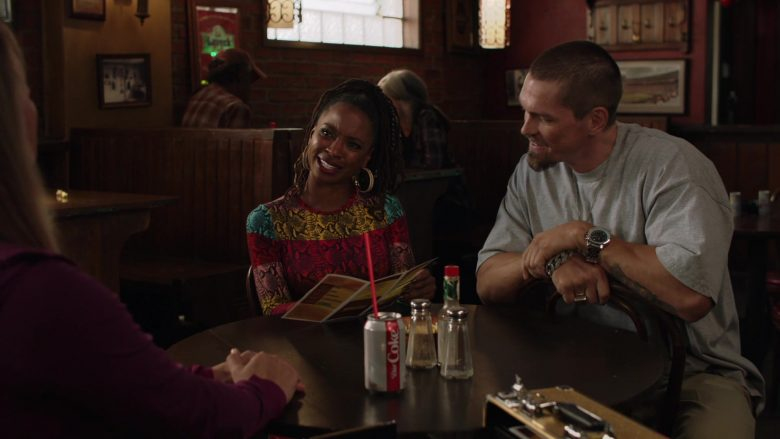 Diet Coke Can in Shameless Season 10 Episode 8 Debbie Might Be a Prostitute (2)