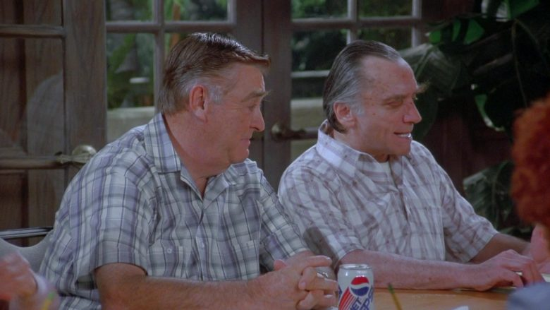 Diet Pepsi in Seinfeld Season 7 Episode 14-15 The Cadillac (1)