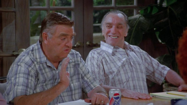 Diet Pepsi in Seinfeld Season 7 Episode 14-15 The Cadillac (2)