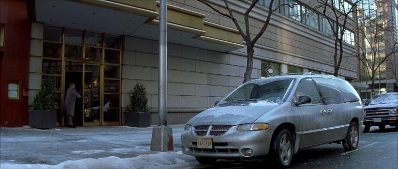 Dodge Grand Caravan Car Used by Nicolas Cage in The Family Man (1)