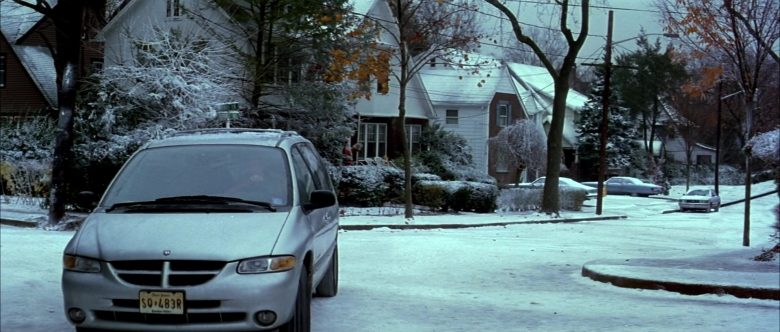 Dodge Grand Caravan Car Used by Nicolas Cage in The Family Man (3)