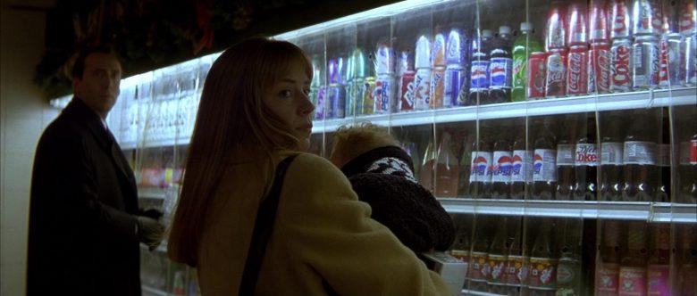 Dr Pepper, Pepsi, Coca-Cola, Diet-Coke Drinks in The Family Man (2000)