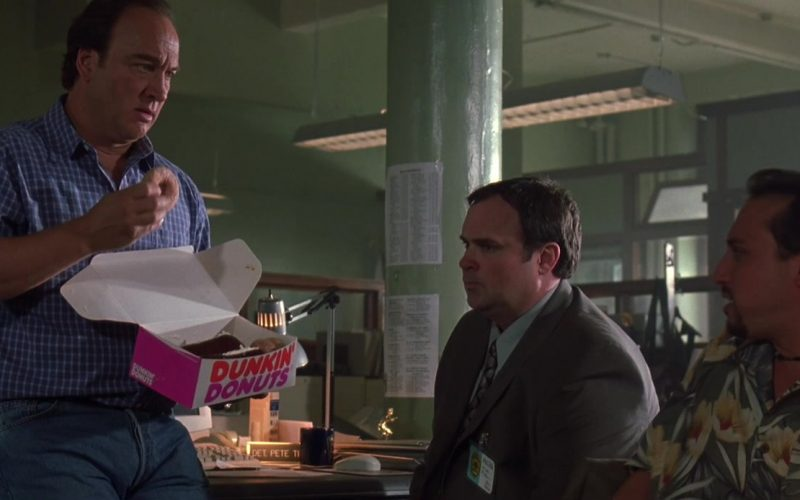 Dunkin' Donuts Box Held by Jim Belushi in K-9 P.I. 2002 (4)