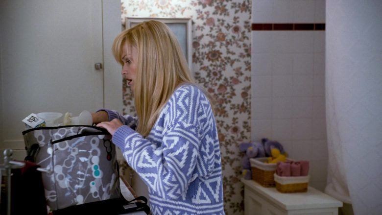 EPT Pregnancy Test in Four Christmases (1)