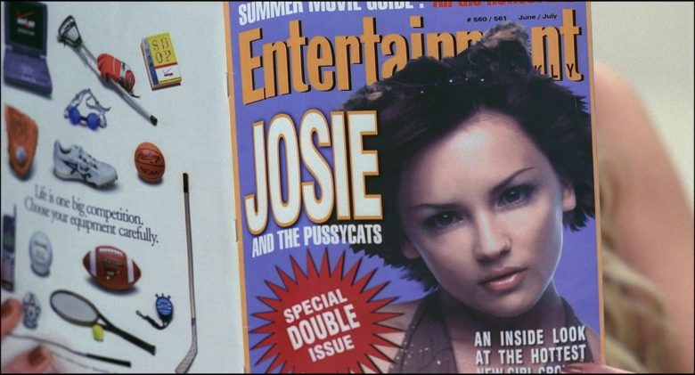 Entertainment Weekly Magazine Held by Tara Reid in Josie and the Pussycats (1)