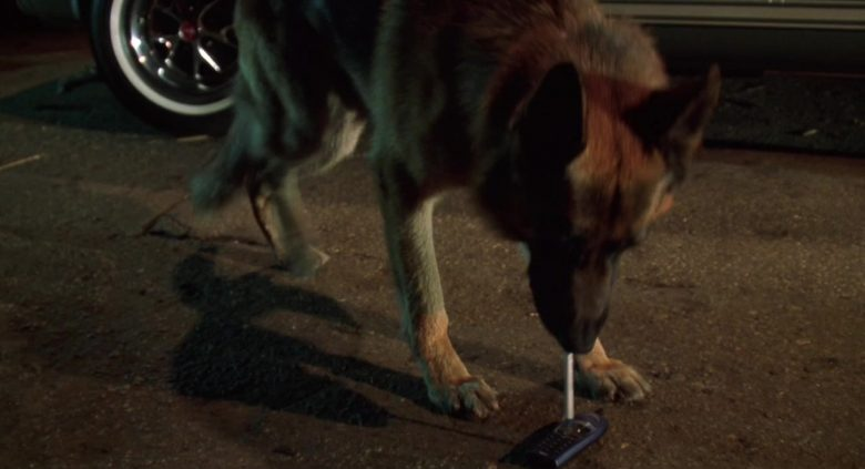 Ericsson Cell Phone in K-9 P.I. (1)
