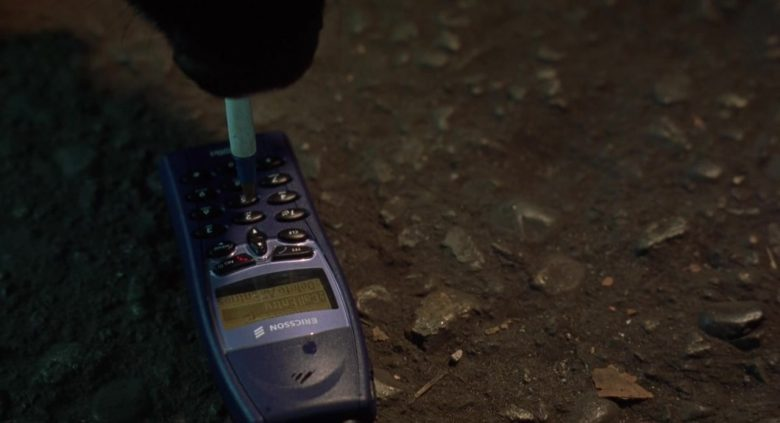 Ericsson Cell Phone in K-9 P.I. (2)