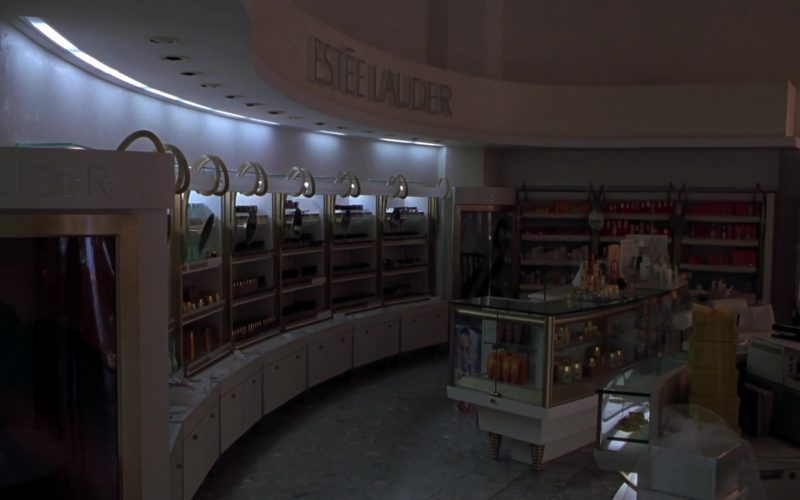Estée Lauder Store in Elf (2003)