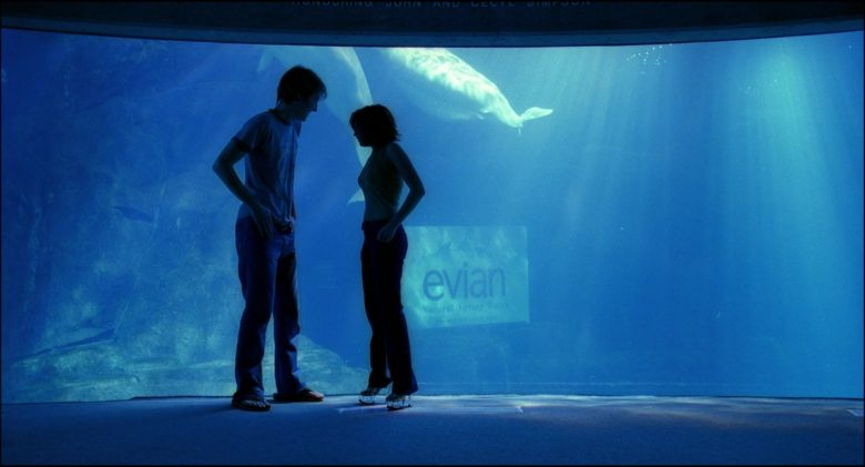 Evian Water in Josie and the Pussycats (2)