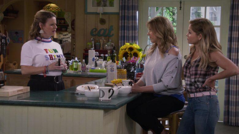 Farmland Milk in Fuller House Season 5 Episode 8 (1)