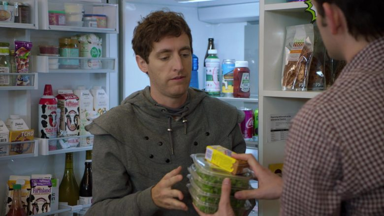 """Farmland Milk in Silicon Valley Season 6 Episode 6 """"RussFest"""" (2019) - TV Show Product Placement"""