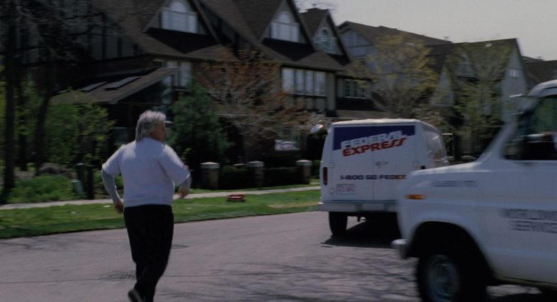Federal Express (FedEx) in The Santa Clause (3)