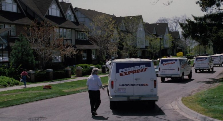 Federal Express (FedEx) in The Santa Clause (5)
