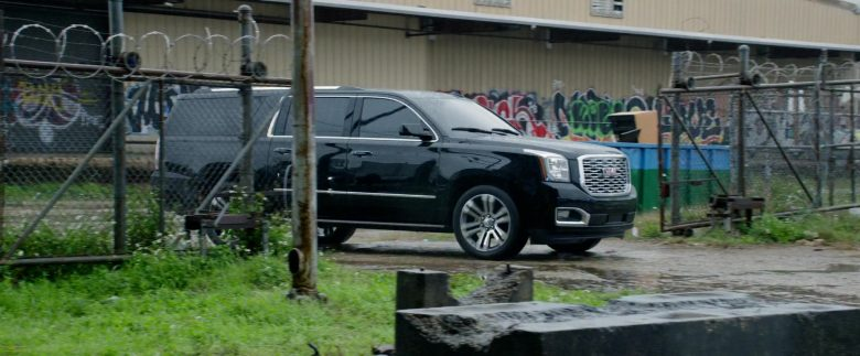 GMC Black SUV in Black and Blue (3)