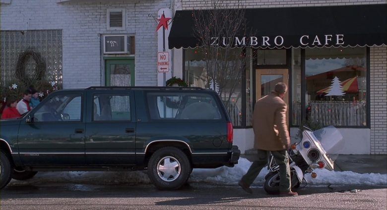 GMC Suburban Green Car Used by Arnold Schwarzenegger in Jingle All the Way (3)