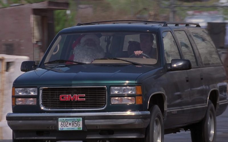 GMC Suburban Green Car Used by Arnold Schwarzenegger in Jingle All the Way (5)
