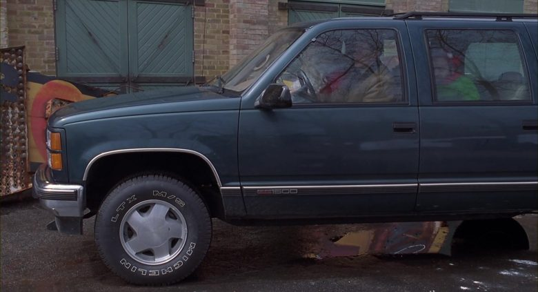 GMC Suburban Green Car Used by Arnold Schwarzenegger in Jingle All the Way (7)
