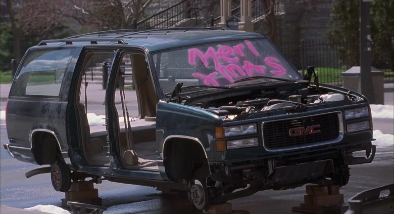 GMC Suburban Green Car Used by Arnold Schwarzenegger in Jingle All the Way (8)