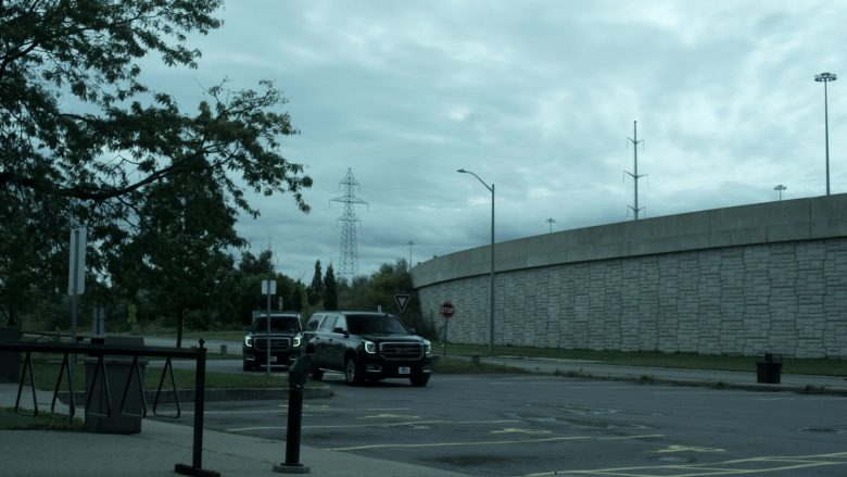 GMC Yukon SUVs in V Wars Season 1 Episode 8 Red Rain (1)
