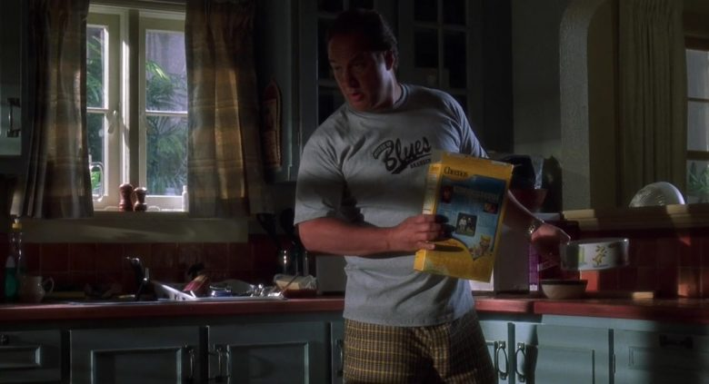 General Mills Cheerios Cereal Held by James Belushi as Detective Thomas Dooley in K-9 P.I (2)