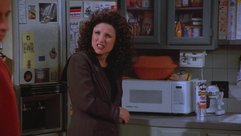 GoldStar Microwave and Pringles Chips in Seinfeld Season 7 Episode 11 The Rye