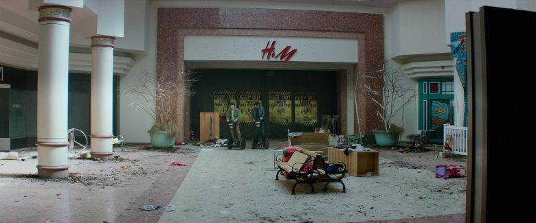 H&M Store in Zombieland Double Tap