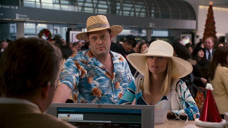 HP Monitor in Four Christmases (1)