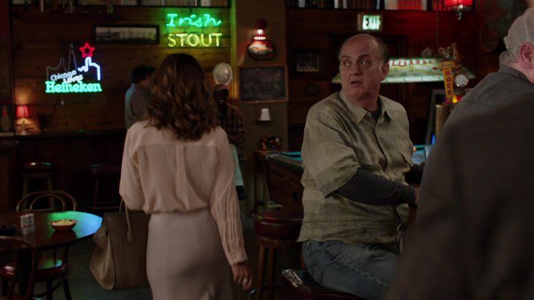 Heineken Neon Sign in Shameless Season 10 Episode 8 Debbie Might Be a Prostitute (1)