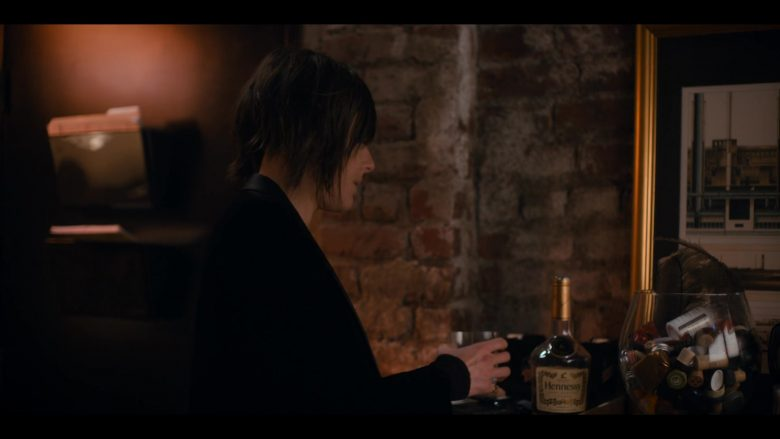 Hennessy Cognac Enjoyed by Katherine Moennig as Shane McCutcheon in The L Word Generation Q Season 1 Episode 3 Lost Love (2)
