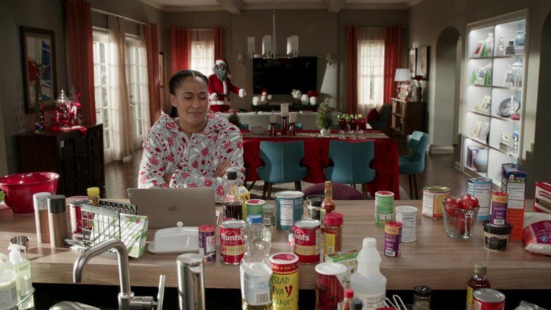 Hunt's and MacBook Laptop in Black-ish Season 6 Episode 10 Father Christmas (2)