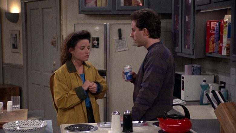 Iris Cola Enjoyed by Jerry Seinfeld in Seinfeld Season 2 Episode 12 The Busboy (4)