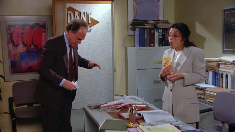 Jujyfruits Candies Enjoyed by Julia Louis-Dreyfus as Elaine Benes in Seinfeld Season 5 Episode 22 (8)