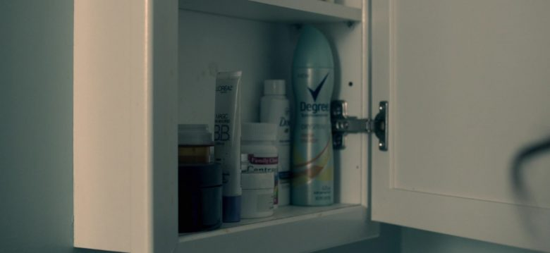 "L'Oréal and Degree Deodorant in Truth Be Told Season 1 Episode 3 ""Even Salt Looks Like Sugar"" (2019) - TV Show Product Placement"