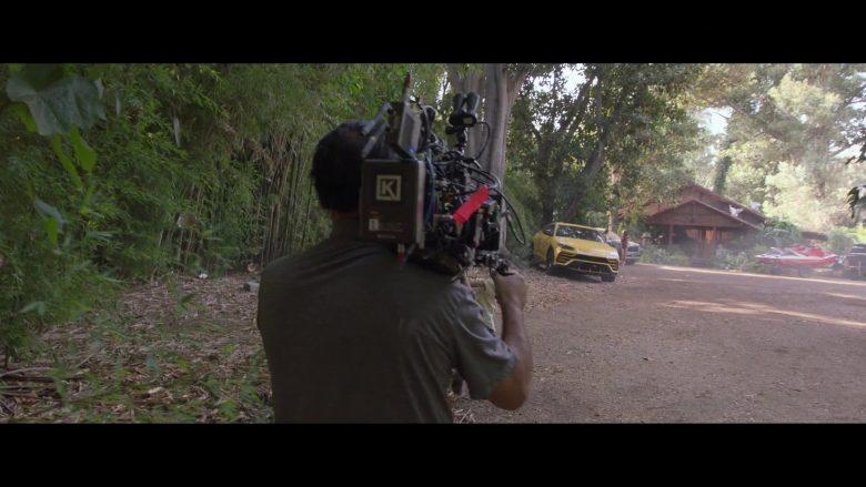 Lamborghini Urus Yellow Car in Silicon Valley Season 6 Episode 7 Exit Event (1)