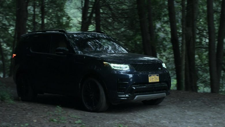 Land Rover Discovery Black SUV in V Wars Season 1 Episode 4 Bad as Me (1)
